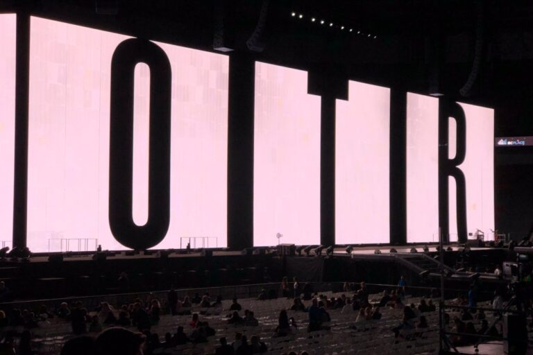 """On The Run II Tour – Vancouver – Jay-Z and Beyoncé [ SHOW ] SAFE & SOUND MUSIC FEST 2018 
