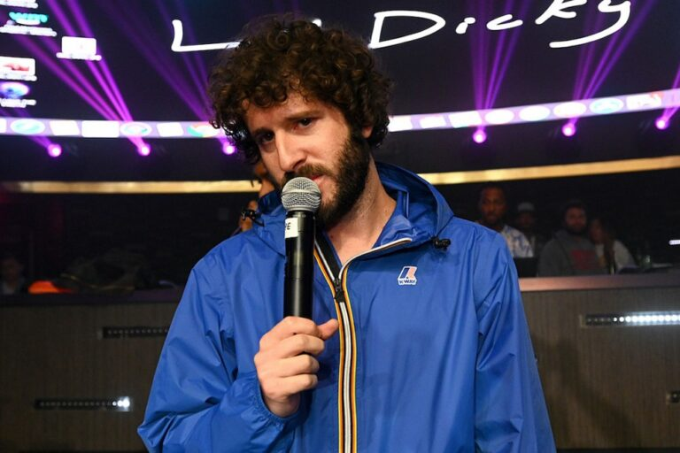 Lil Dicky Will Post His Nudes If You Register to Vote