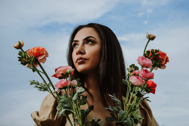 "Gabriela Knows Exactly How To Deliver Great Music – ""Grow Up"""