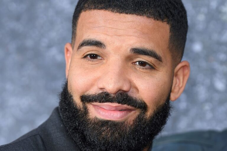 Drake Is Selling a Candle That Smells Like Himself